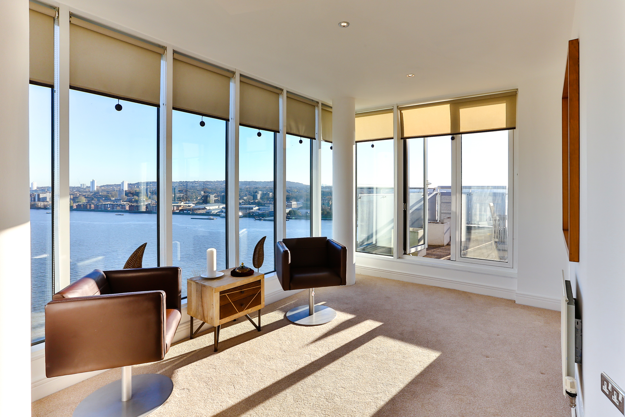 Stunning Penthouse Flat | Thames Barrier London